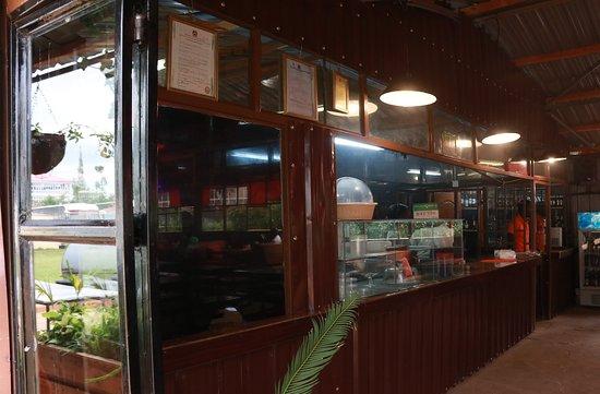 Tuuti's Restaurant: Main Counter