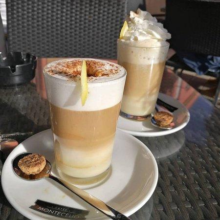 Maio, Kaapverdië: Grogue (rhum local) et café sont les éléments d'une bonne sièste