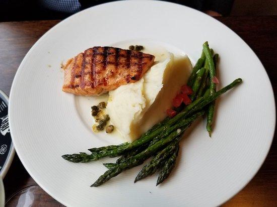 Excellent chowder - Review of Arnie's Restaurant & Bar - Mukilteo, Mukilteo, WA - TripAdvisor