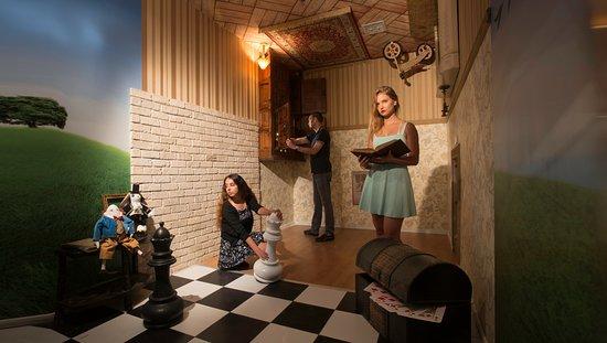 Alice In Wonderland Escape Room Picture Of Questomania Tel Aviv Tripadvisor