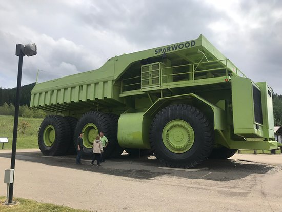 Sparwood, Canada: The 2nd Largest Truck In The World (2)