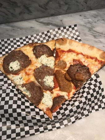Secret Pizza : Meatball with Ricotta and Meat Slice