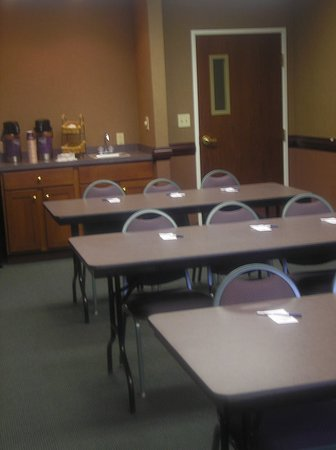 New Haven, IN: Meeting room