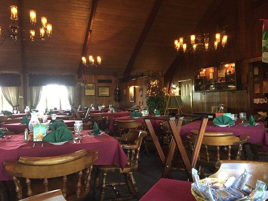 Duck Inn Supper Club: cozy atmosphere