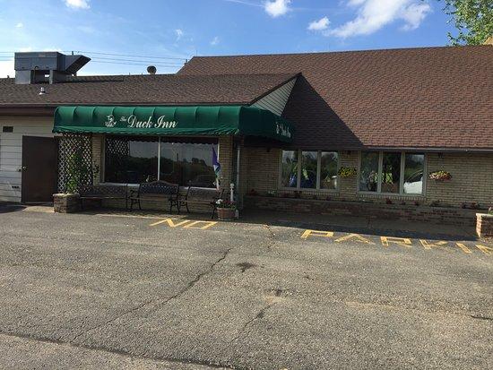 Duck Inn Supper Club: front entrance