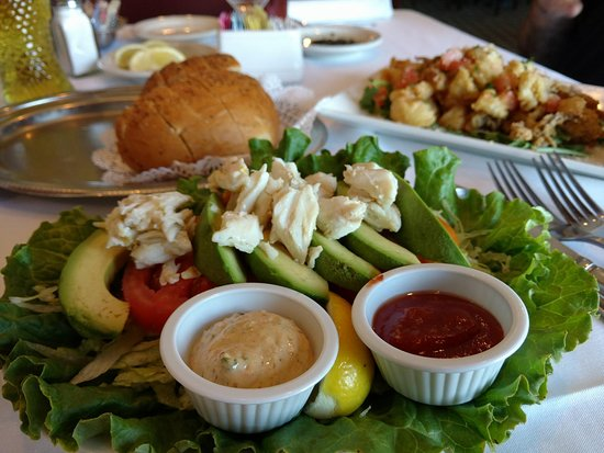 Gaido's: Appetizers: crab with avocado and tomato, fried calamari