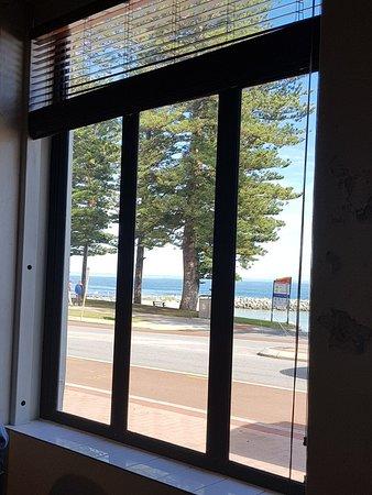 Cottesloe, Australia: 20180603_112110_large.jpg