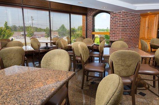 Poplar Bluff, MO: Bar/Lounge