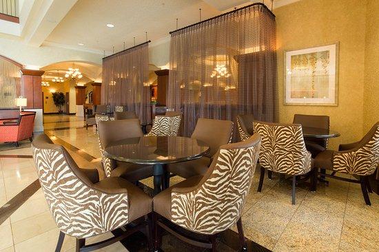 Drury Plaza Hotel St. Louis Chesterfield: Lobby