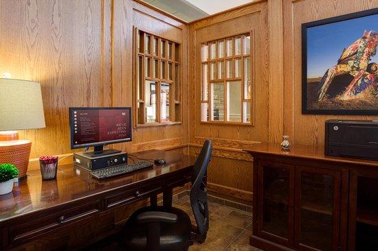 Drury Inn & Suites Amarillo: Business center