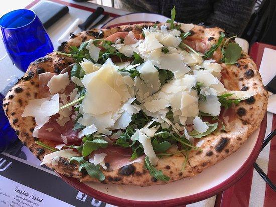 Circa 900 Pizzeria Napoletana: san Daniele prosciutto, rocket and shaved parmesan pizza
