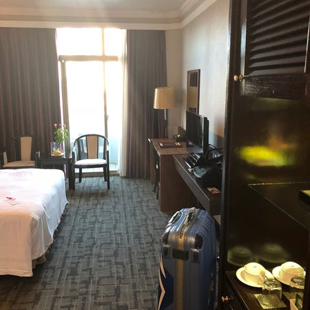 Lake Side Hotel: photo1.jpg