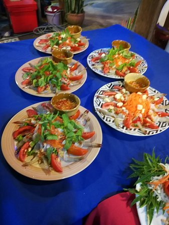 Reuathong Restaurant & Bar: กุ้งแช่นำ้ปลาอรอ่ยเลิดรสค่ะ