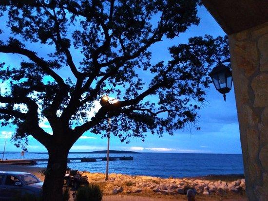 Dalmatia, Croatia: Tramonto dal porto