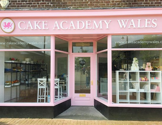 Cake Academy Wales, a bit of New York in Neath, South Wales.