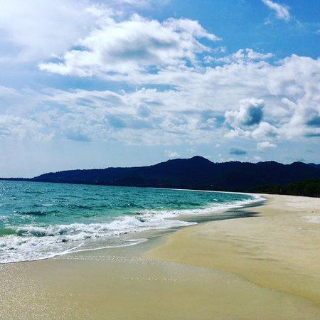 Tokeh, Sierra Leone: Beach