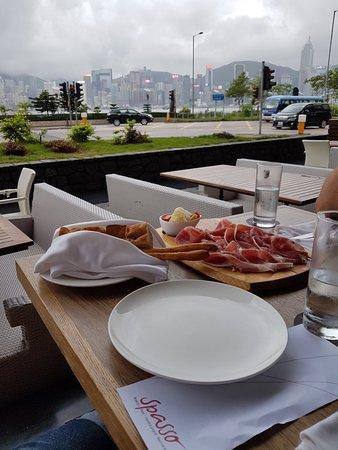 Un angolo di Italia nel caos di Kowloon!