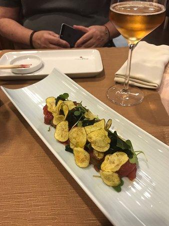 Restaurante Kazan: Tartar de atún con algas (delicioso)