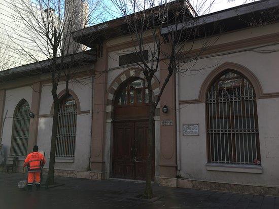 Husambey Camii