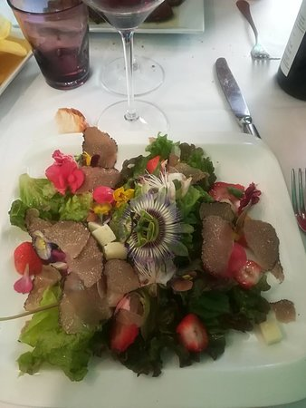 Olevano Romano, Italie : My delicious salad was to beautiful to be eaten!