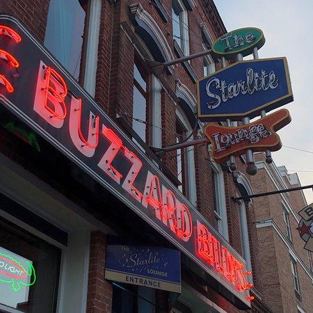 Buzzard Billy's Flying Carp Cafe: photo0.jpg