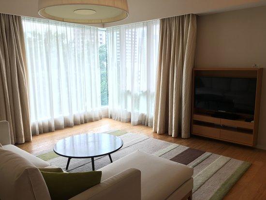 Lanson Place Bukit Ceylon Serviced Residences: 大廳(另一角度)