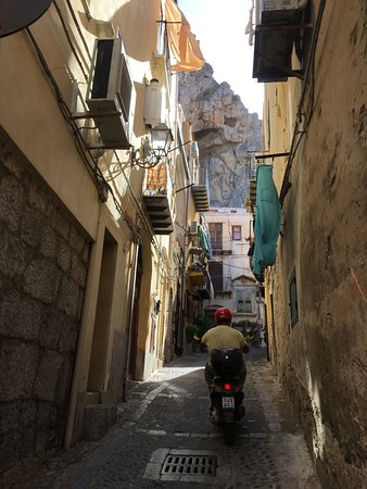 Sicily Private Tours by Luca: Narrow street, Cefalu.