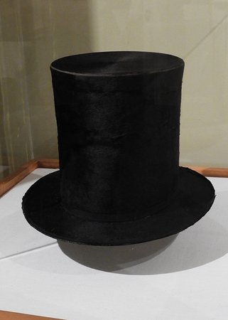 Hildene, The Lincoln Family Home: Lincoln's infamous top hat.