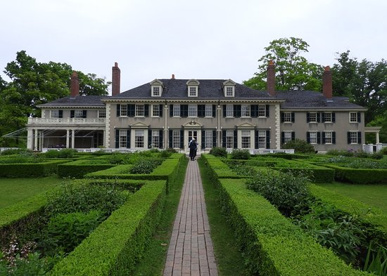 Hildene, The Lincoln Family Home: Beautiful gardens.