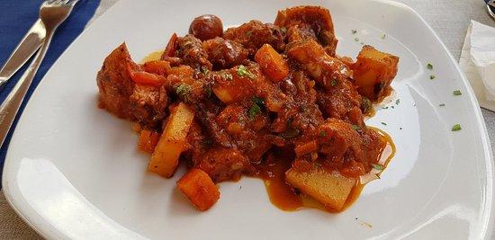 LaPira Maltese Kitchen Photo
