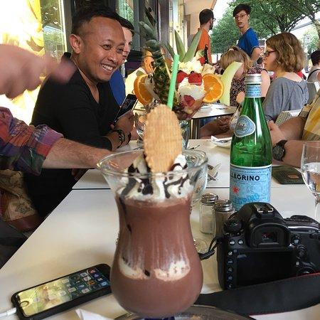 Casa italia berlino unter den linden 39 mitte ristorante recensioni numero di telefono - Casa vacanza berlino ...