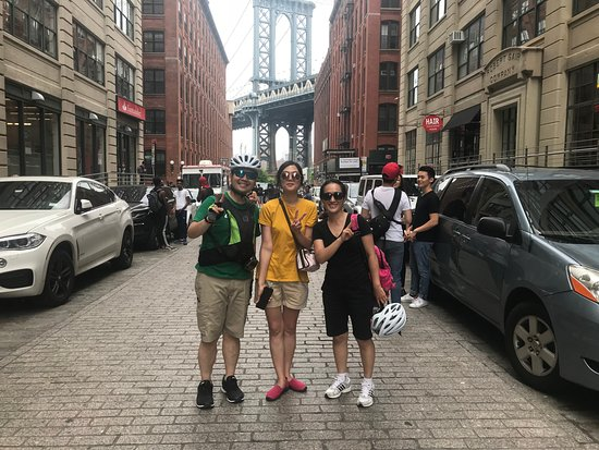 Brooklyn Giro Bicycle Tours: Dumbo, Brooklyn NY