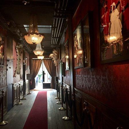 Le comptoir general paris canal saint martin restaurant reviews phone number photos - Comptoir de l homme paris ...