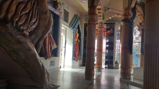Bhagsu Naag Temple: Bhagus