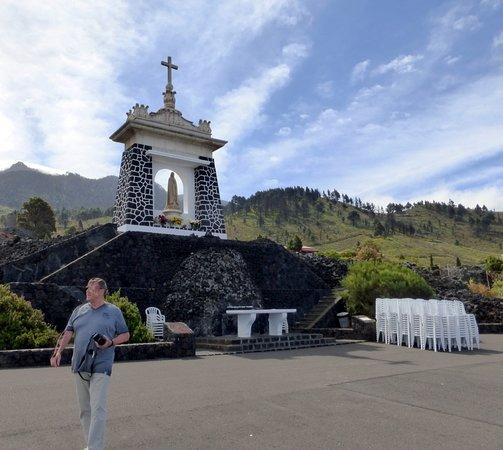 Las Manchas, Espanha: Das der Jungfrau von Fatima gewidmete Denkmal