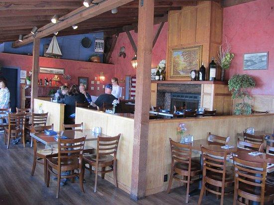 The Wheelhouse & Crowsnest: Wheelhouse Restaurant Dining Area