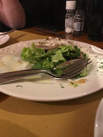 Il Magazzino: The beef tongue carpaccio appetizer was superb.