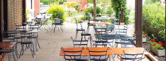 Le Muy, France: Terrasse couverte côté piscine