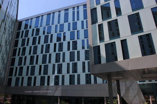 Scandic Hamburg Emporio: Hotel_Außenansicht_1