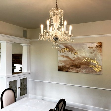 Birchfield Manor Country Inn: Dining room inside the manor
