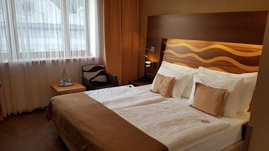 Hotel Danubia Gate Bratislava: 20180607_201003_large.jpg