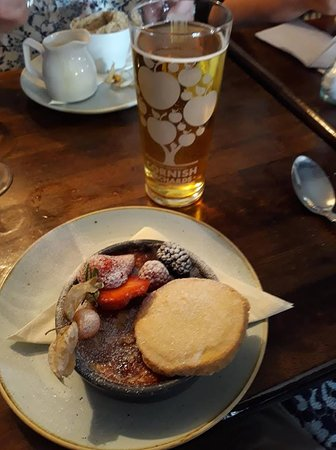 Pointer Inn: White Chocolate and Raspberry Brulee - yum