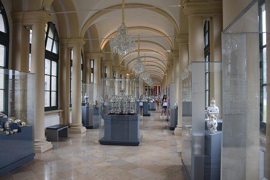Цвингер: Porcellan museum