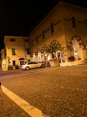 Cavriana, Italie : TA_IMG_20180610_230448_large.jpg