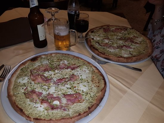 Motta Sant'Anastasia, Włochy: 20180610_224750_large.jpg
