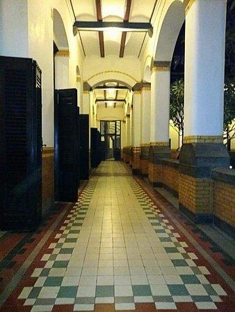 Lawang Sewu Building : Salah satu lorong Lawang Sewu