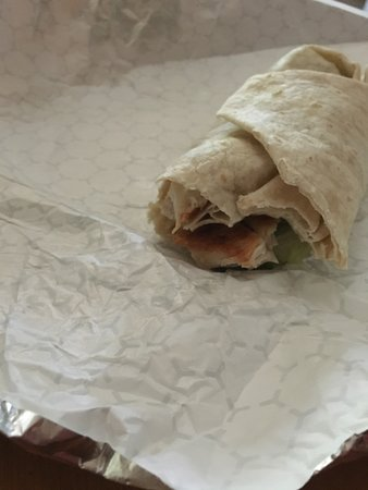 Shapleigh, Мэн: Worst grilled chicken Caesar wrap ever!! Half the size as last year and no flavor! The wraps fro