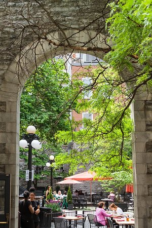 ByWard Market: courtyard
