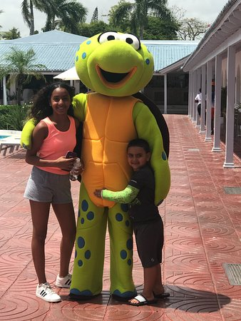 Sunscape Puerto Plata - All Inclusive: Kids and one of the entertainment staff members