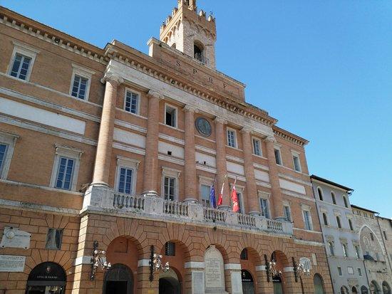 Foligno, إيطاليا: Palazzo Comunale